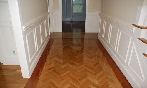 Tipos de pisos para un hogar for Pisos para interiores tipo madera