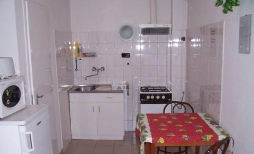 Elige los muebles para tu cocina pequeña - Hoydecoracion.com